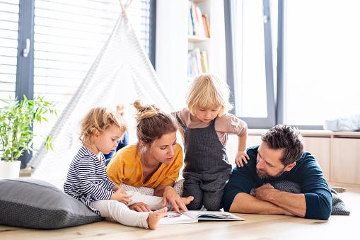 Un moyen sur d'amener les enfants à aimer les livres
